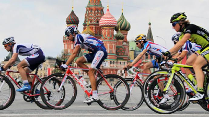 Home cyclist wins race around Kremlin