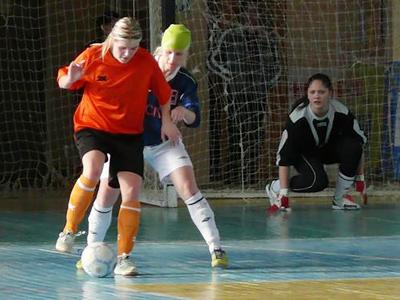 Spain clinch futsal international title in duel against Russia