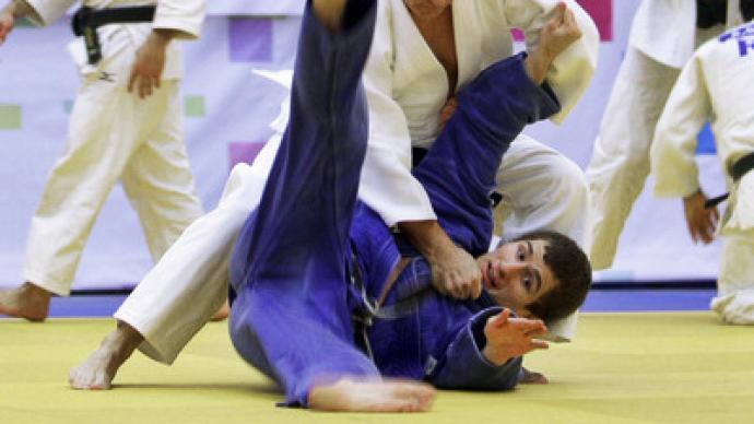 Putin gives judo masterclass