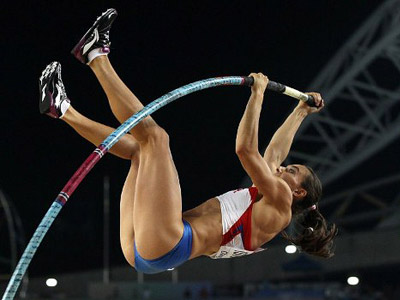 Queen's return: Isinbayeva sets new world record