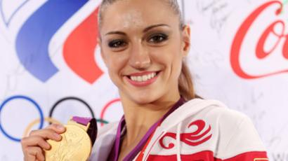 Swan song for rhythmic gymnastics diva Kanaeva (VIDEO)