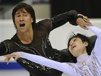 Kavaguti, Smirnov second after short program in Turin