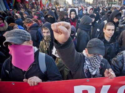 Warsaw Independence Day clashes see 200 arrests (VIDEO)
