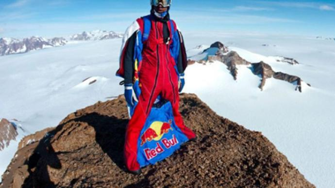 Russian jumps into record books from Antarctic mountain