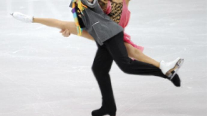 Shabalin and Domnina maintain ice dance lead