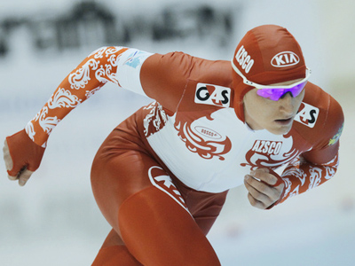 Skobrev defends Russian speed-skating title