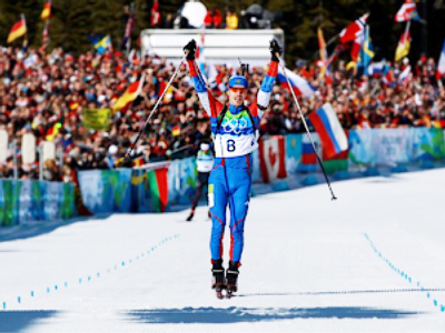 Russian women grab season's first biathlon gold