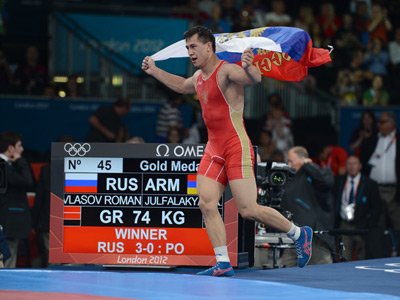 Battle-ready: Russian Olympic wrestling champ enlists in army