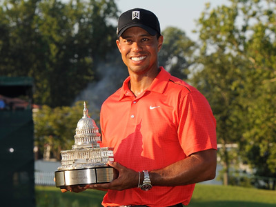 Woods lifts 74th PGA trophy
