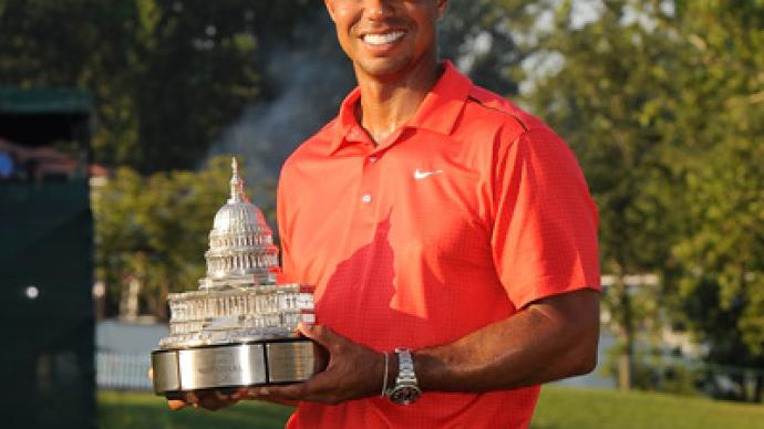 Woods lifts 74th PGA trophy