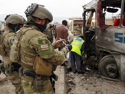 Afghan pilot shoots, kills US troops