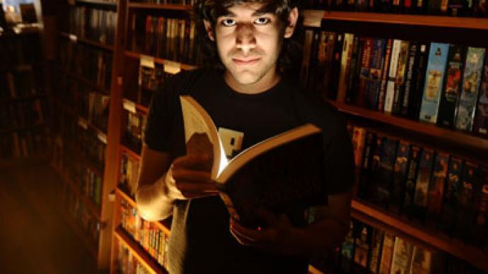 Anonymous hacks MIT in honor of info activist Aaron Swartz