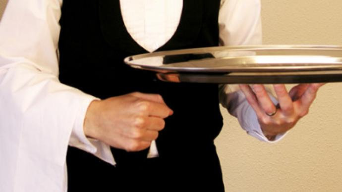"Millionaire CEO breaks waiter's finger for ""bad service"""