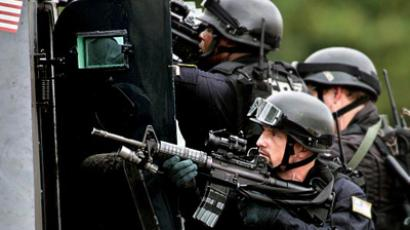 Battlefield US: Pentagon arms police departments with free heavy weaponry