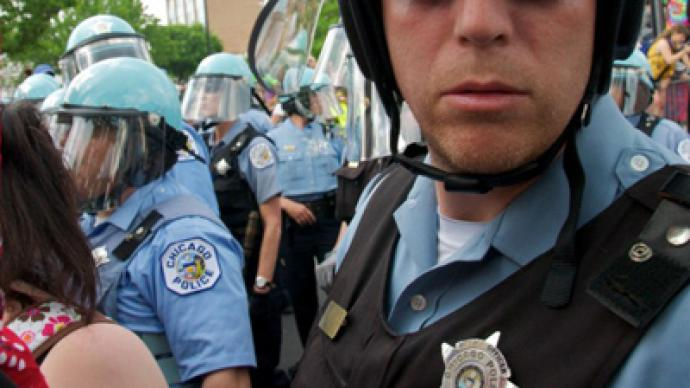 Chicago cops threaten to revoke First Amendment rights from journalists