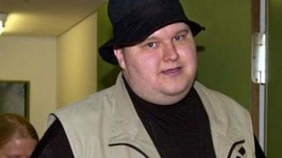 Kim Dotcom offers a deal to the FBI; dares them to deliver a fair trial