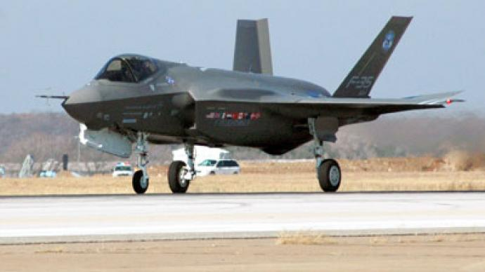 Marine Corps get first F-35, but with no weapons or the right gear
