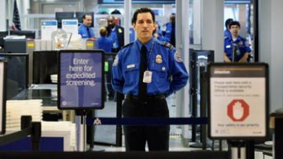 Naked truth: TSA nude scanner exposed – 'you can sneak anything past them!' (VIDEO)