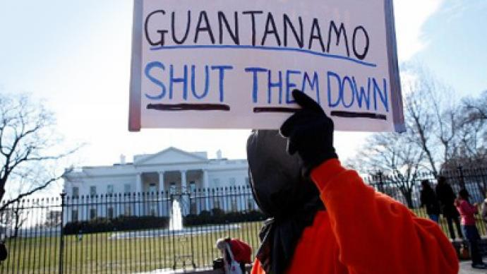 Gitmo tribunal goes on despite Obama's vow