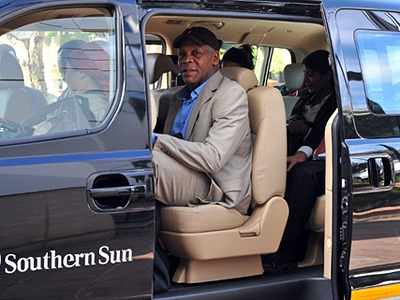 Danny Glover to escort Aristide back to Haiti