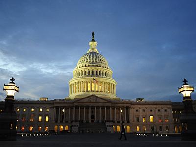 Congress mulls moratorium on Internet regulations