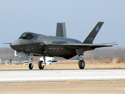 Pentagon slams F-35 manufacturer