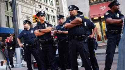 Pepper-spray policeman gets reprimanded by NYPD