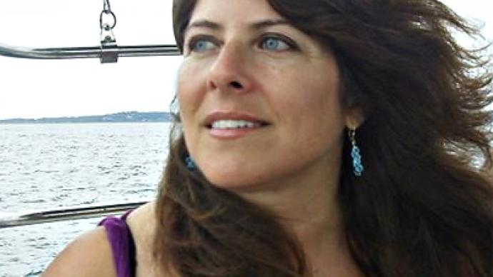 Naomi Wolf fights fellow feminists over Assange