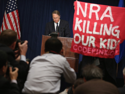 Obama vs NRA: Heated gun debate erupts in US
