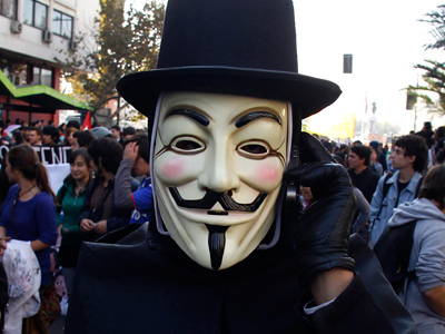 Florida cop arrested for refusing to remove Guy Fawkes mask in Obamacare protest