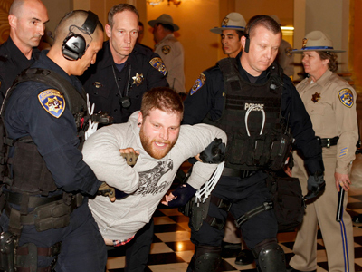 Mass arrests at Occupy Education protest at California State Capitol