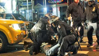 Police lockdown and brutality on journalists at OWS