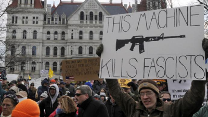 Pro-gun activists flood US state capitals defending right to bear arms (PHOTOS)