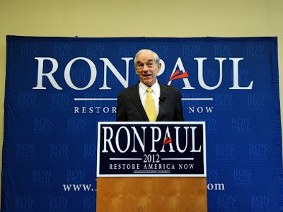 Smear campaign fails as Ron Paul keeps lead in Iowa