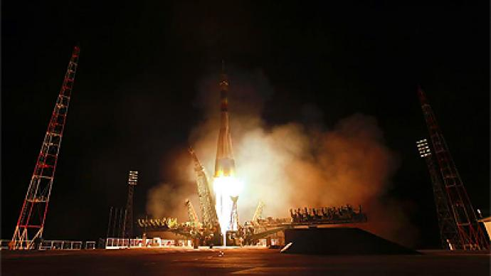 Russia rockets off as NASA lags behind