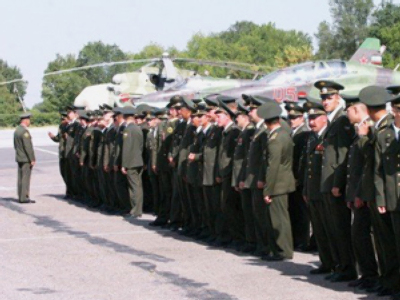 Russia and Belarus shake hands on air defence