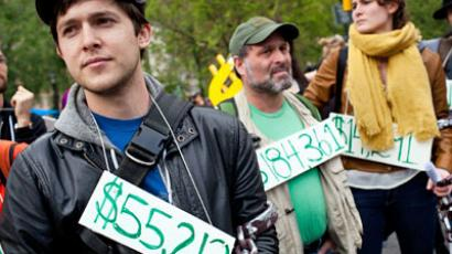 Occupy Graduation: US 'debt generation' in chains