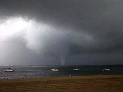 Man-made tornadoes may produce green energy (PHOTOS)