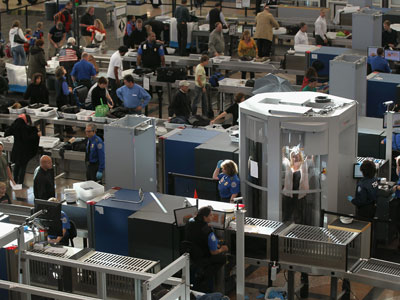 TSA delays lifting ban on knives on board