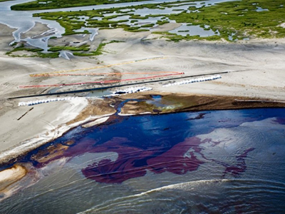 BP to pay record fine to US for 2010 oil spill