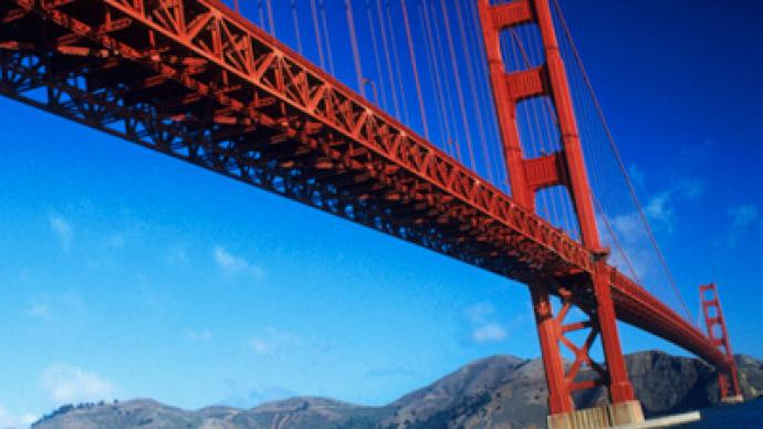 US teen survives Golden Gate Bridge jump
