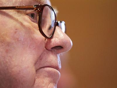 Senator says News Corp. hacked 9/11 victims