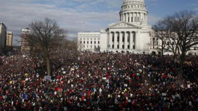 Wisconsin judge reinstates collective bargaining for state employees