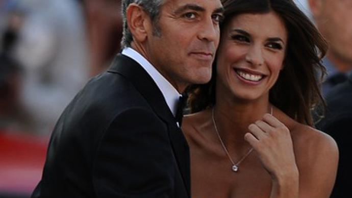 Clooney is dating a wrestler