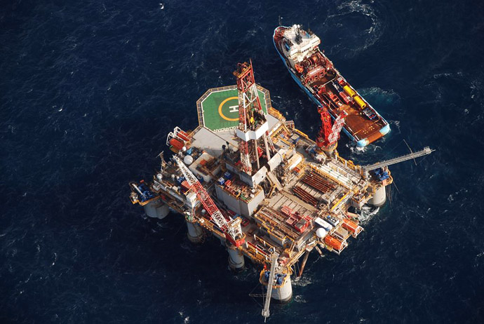 The Ocean Guardian semi-submersible drilling rig floats tethered to the sea floor just three days after beginning its second exploration well a little more than 100 km (62 miles) offshore from the Falkland Islands, April 19, 2010. (Reuters/Gary Clement)