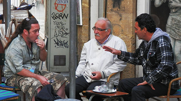 Reporter Patrick Henningsen finds out what the people are saying in the coffee houses of Nicosia (Photo by Patrick Henningsen)