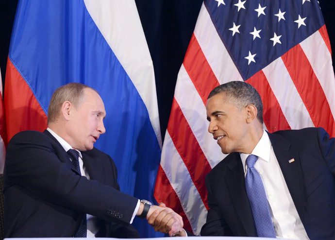 US President Barack Obama (R) shakes hands with Russian President Vladimir Putin after a bilateral meeting in Los Cabos, Mexico on June 18, 2012 on the sidelines of the G20 summit. (AFP Photo / Jewel Samad)