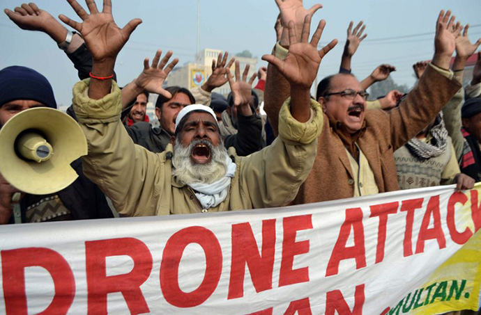Pakistani demonstrators shout anti-US slogans during a protest in Multan on January 8, 2013. (AFP Photo / S.S. Mirza)
