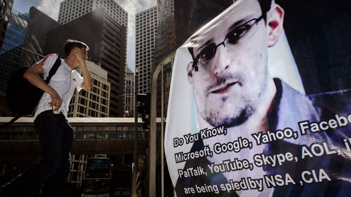 Wanted: Russia and China as villain in Snowden affair