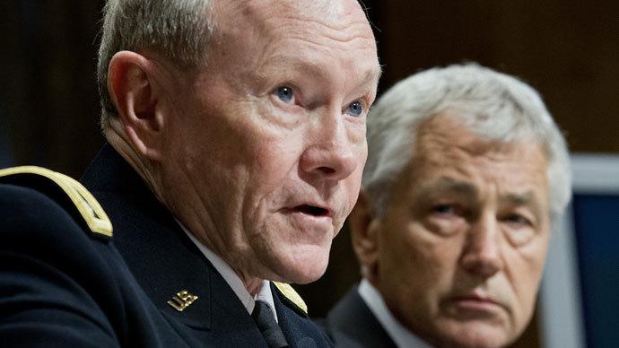 US Defense Secretary Chuck Hagel (R) listens as Joint Chiefs of Staff Chairman, Gen. Martin Dempsey.(AFP Photo / Karen Bleier)